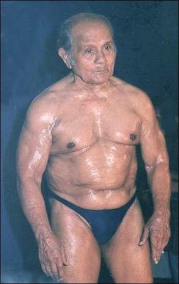 Generation Iron Old Bodybuilder