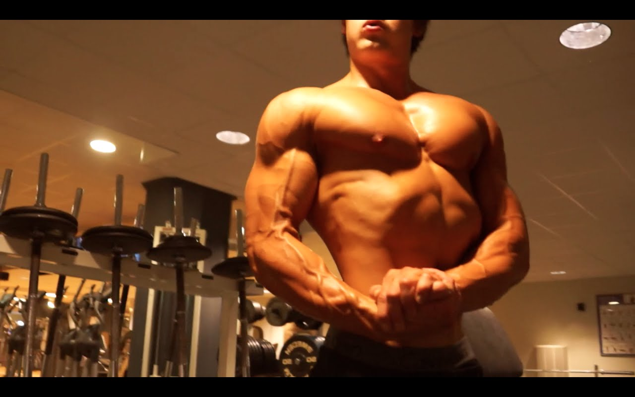Jeff Seid Unleashes His Men's Physique Training For Chest And Triceps | Generation Iron