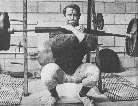 3 Ways To Perform The Front Squat And Which One Is The Best For You Generation Iron Fitness Bodybuilding Network